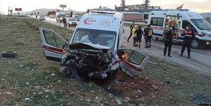 Kahramanmaraş'ta ambulans ile otomobil çarpıştı: 3 ölü, 3 yaralı