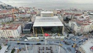 Atatürk Kültür Merkezi'ndeki dış cephesi son halini alıyor