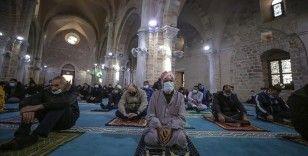 Filistin'de teravih namazı camilerde kılınabilecek