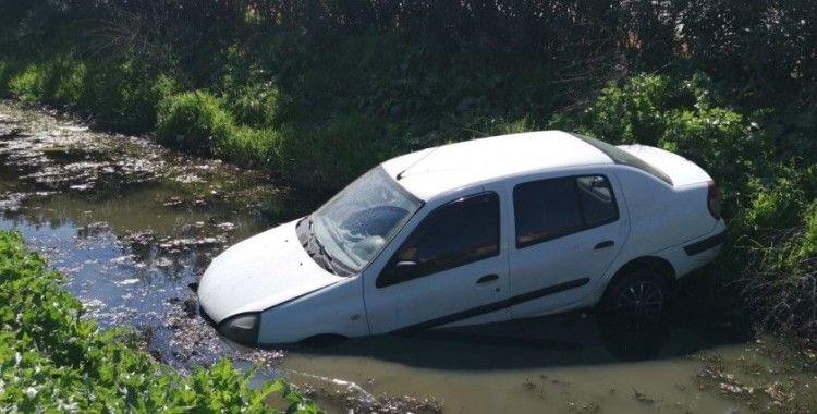 Nazilli'de otomobil kanala uçtu