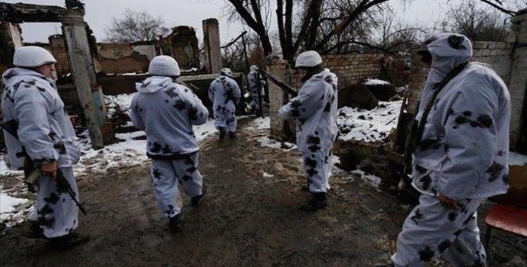 Ukrayna'nın Donbas bölgesinde Rusya yanlısı ayrılıkçıların saldırısında bir Ukrayna askeri öldü