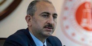 Adalet Bakanı Gül, annesi için taziye sunan ve acısını paylaşanlara teşekkür etti