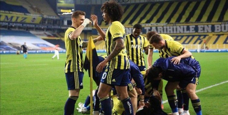 Fenerbahçe dört maç sonra 1'den fazla gol buldu