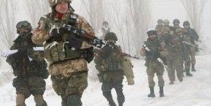 Rusya, batı sınırına asker konuşlandırdı