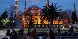 İstanbul iftar saatine sakin girdi