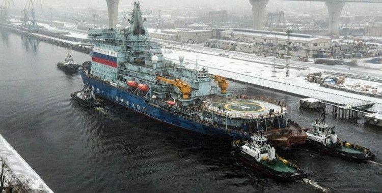 Putin: Dünyanın en güçlü buzkıran filosunu inşa edeceğiz