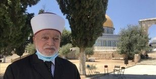 Filistin yönetimi ve Hamas İsrail'in Mescid-i Aksa'da ramazanın ilk akşam ezanını engellemesini kınadı