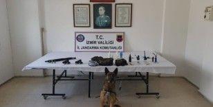 İzmir'de jandarmadan 3 ilçede zehir baskınları: 18 gözaltı