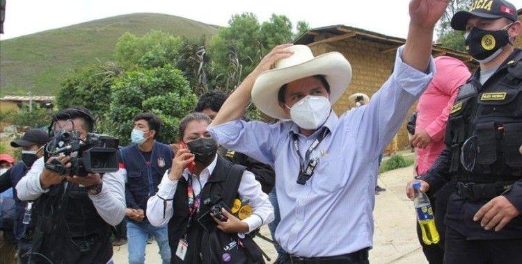 Peru'da devlet başkanlığı 1. tur seçimini solcu Castillo önde tamamladı