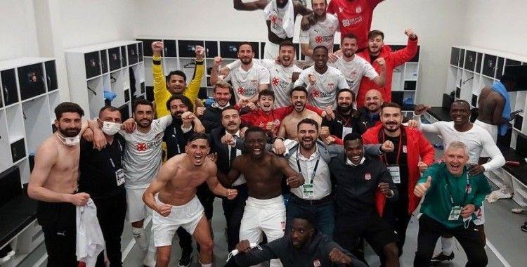 Sivasspor'dan galibiyet pozu