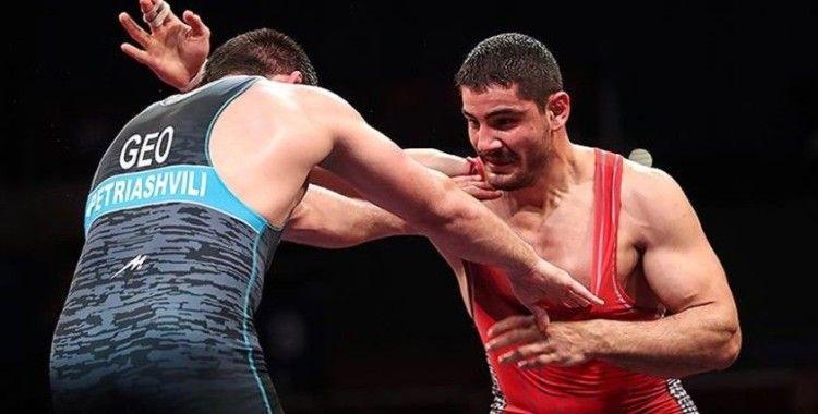 Avrupa Güreş Şampiyonası'nda erken finalin galibi Taha Akgül