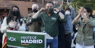 İspanya'da aşırı sağcı Vox partisi hakkında göçmenleri hedef alan afişinden dolayı soruşturma başlatıldı