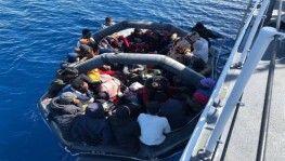 Orta Akdeniz'de lastik bot battı