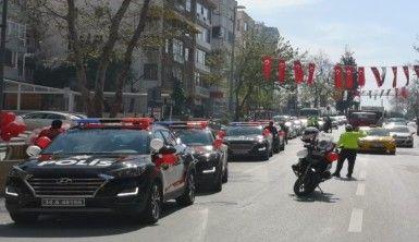İstanbul'da polis korteji eşliğinde 23 Nisan coşkusu
