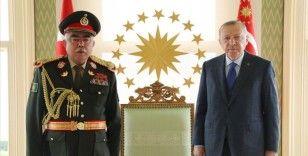 Erdoğan, Afganistan'ın eski Cumhurbaşkanı Yardımcısı Mareşal Raşid Dostum'u kabul etti
