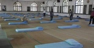 Hindistan'da Covid-19 vakaları nedeniyle camiler geçici olarak korona hastanesine dönüştürüldü