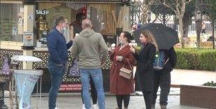 Sultanahmet'te kısıtlamanın keyfini turistler çıkardı