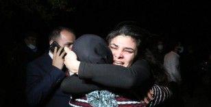 Melek İpek baba ocağında gözyaşlarına boğuldu