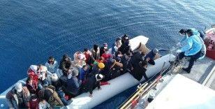 Yunan unsurları tarafından geri itilen 137 düzensiz göçmen kurtarıldı