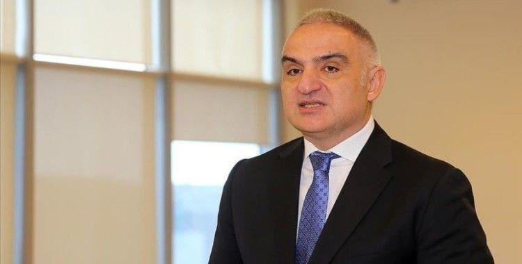 Bakan Ersoy: 'Mayıs sonuna kadar tüm turizm çalışanları aşılanacak'