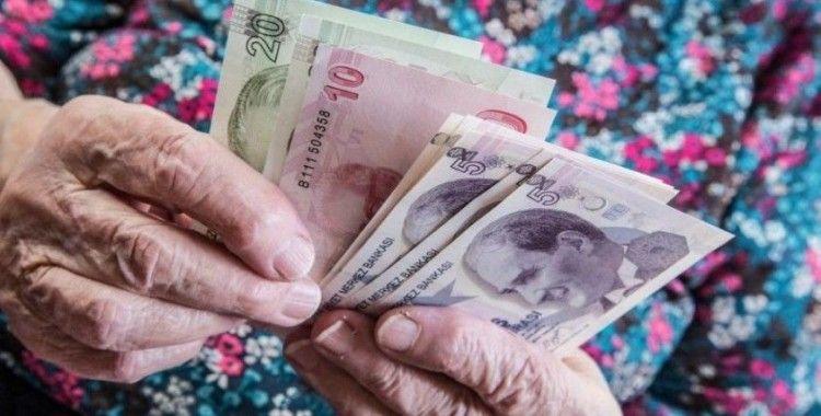 Emeklilere verilecek bayram ikramiyesinin tutarı 1100 TL olarak belirlendi