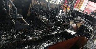 Seyir halinde yanan işçi servisi küle döndü