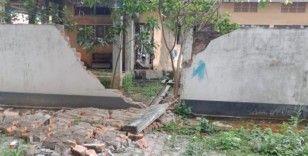 Hindistan'da 6.4 büyüklüğünde deprem