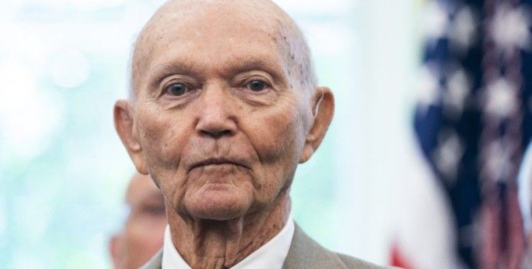 Apollo 11 Astronotu Michael Collins, 90 yaşında hayatını kaybetti