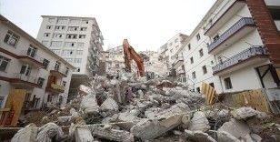 Çökme riski bulunan Açelya Apartmanı'nın çevresindeki yıkım çalışmaları bayrama kadar tamamlanacak