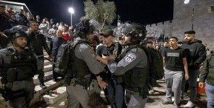 İsrail polisi, Şam Kapısı'nda kutlama yapan Filistinlileri dağıttı