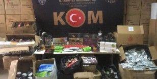İzmir'de piyasa değeri 175 bin lira olan kaçak nargile tütünü ele geçirildi