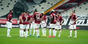 Hataysporlu futbolcular, 12. dakikada sahada toplantı yaptı!