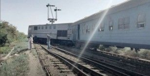 Mısır'da yolcu treni raydan çıktı