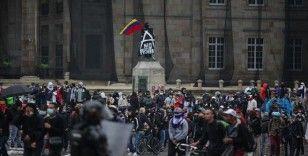 Kolombiya'da hükümet protestolara yol açan vergi reformu yasa tasarısında değişikliğe gidecek