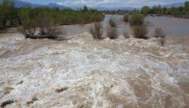Eriyen kar suları Doğu'daki nehirlerin debisini yükseltti
