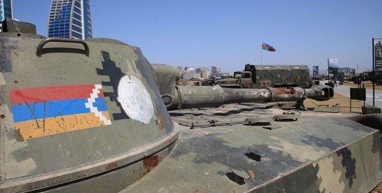 Azerbaycan Ermenistan'a 3 askeri iade etti