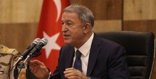 Bakan Akar Libya'daki Mehmetçik ile bir araya geldi: Biz iyi gün değil kara gün dostuyuz