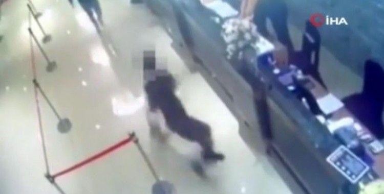 Tayvan'da restorana hamam böcekli saldırı