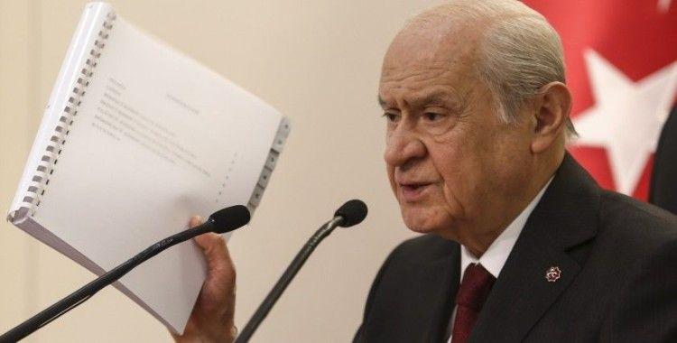 """""""Yeni bir anayasa yapmak, Türkiye'nin '21'inci Yüzyılda Lider Ülke' gayesine muazzam bir hizmettir"""""""