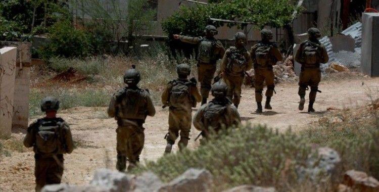 İsrail askerleri işgal altındaki Batı Şeria'da Filistinli bir çocuğu şehit etti