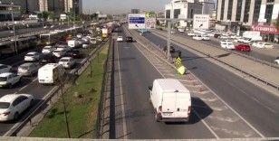 E-5'te geri geri gelen sürücüler trafiği tehlikeye soktu