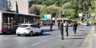 Beşiktaş'ta kısıtlama denetimi: Araçlar tek tek kontrol edildi