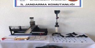 Balıkesir'de jandarmadan kaçak tütün ve tarihi eser operasyonu