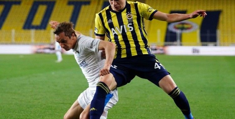 Fenerbahçeli Szalai ve Kasımpaşalı Varga, EURO 2020 aday kadrosuna alındı
