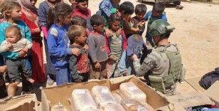 Mehmetçikten Barış Pınarı bölgesindeki ihtiyaç sahiplerine yardım eli