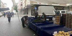 İstanbul'da pazarlar kurulmaya başlandı