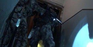 İstanbul'daki terör örgütü DEAŞ operasyonunda yakalanan 8 şüphelinin emniyetteki işlemleri sürüyor