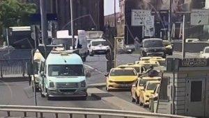 11 aracın karıştığı akılalmaz kaza kamerada