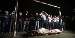 İsrail askerlerinin Batı Şeria'da şehit ettiği Filistinli kadın son yolculuğuna uğurlandı
