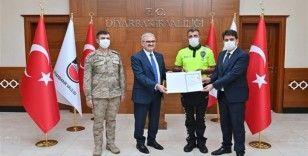 Vali Karaloğlu başarılı trafik personelini ödüllendirdi